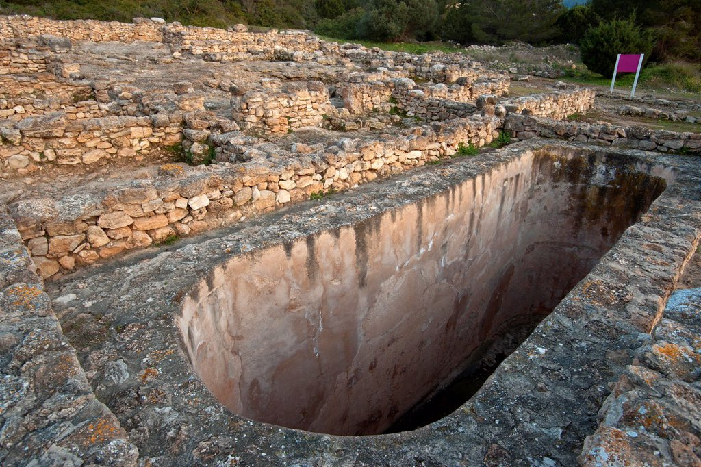 Stock Photo: 1566-1077298 Great Tank, century after Christ, Town Punic / Roman, Ses Paisses Cala D Hort, V centuries BC, a seventh after Christ, Ibiza, Balearic Islands, Spain