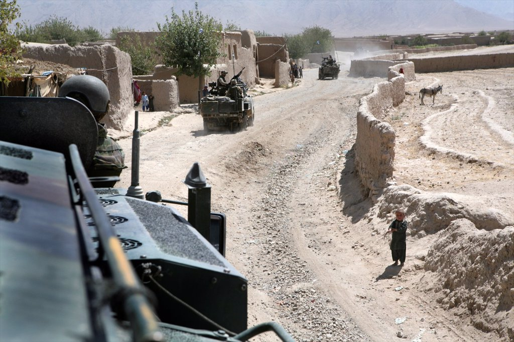 Stock Photo: 1566-1079183 Dutch military in Uruzgan as part of the ISAF intervention