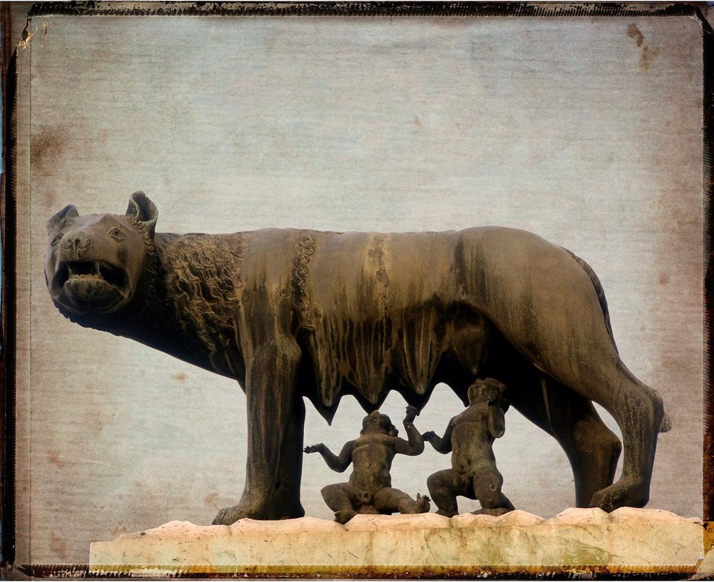 Sculpture of the she-wolf with Romulus and Remus, vintage look : Stock Photo