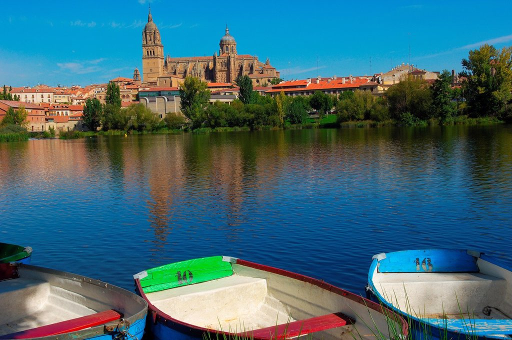 Stock Photo: 1566-1080906 Cathedral and Tormes river, Salamanca, Castilla-Leon, Spain