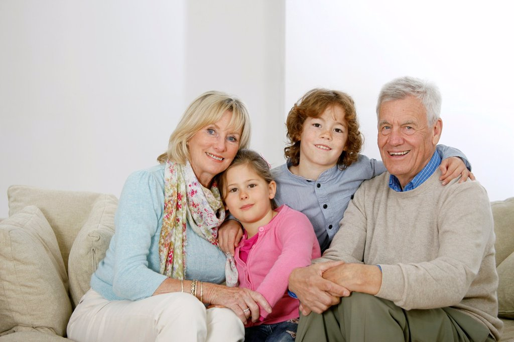 Stock Photo: 1566-1081559 Grandparents and grandchildren