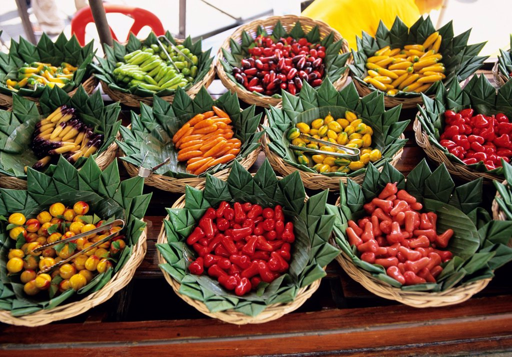 Stock Photo: 1566-1083226 The vegetable floating market, Bangkok, Thailand