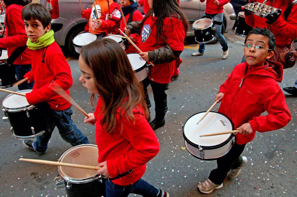 children´s percussion group, Santa Eulalia´12 celebration, Barcelona, Catalonia, Spain : Stock Photo
