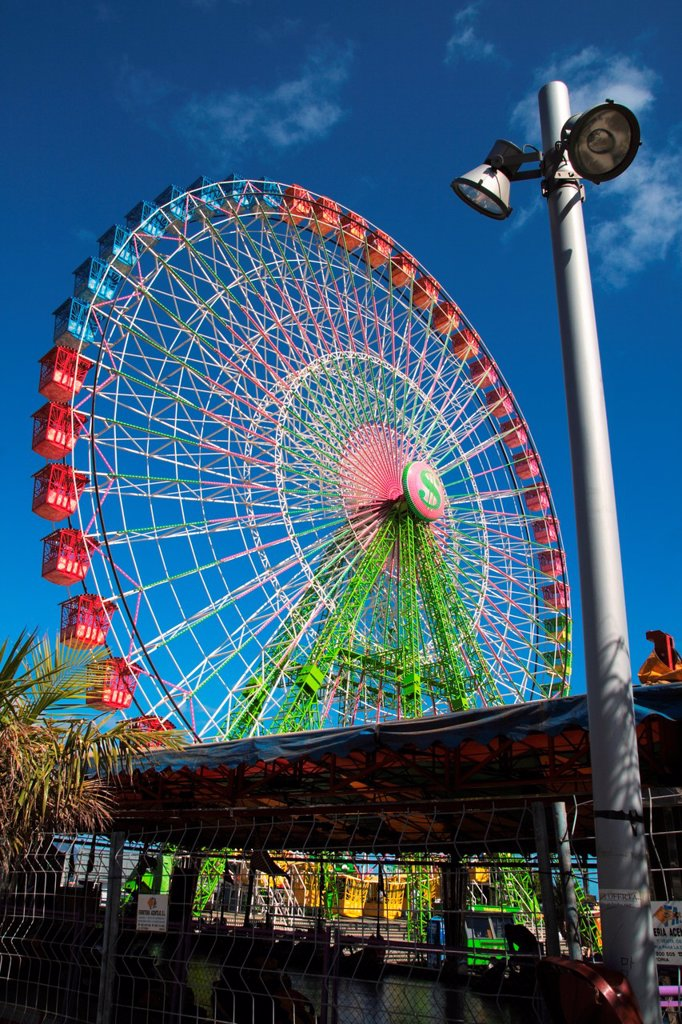 Stock Photo: 1566-1084440 big wheel, ferris wheel