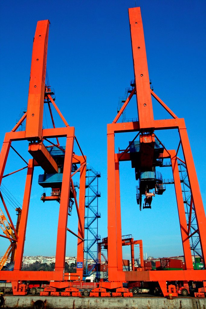 cranes, port of Haydarpasa, Turkey : Stock Photo