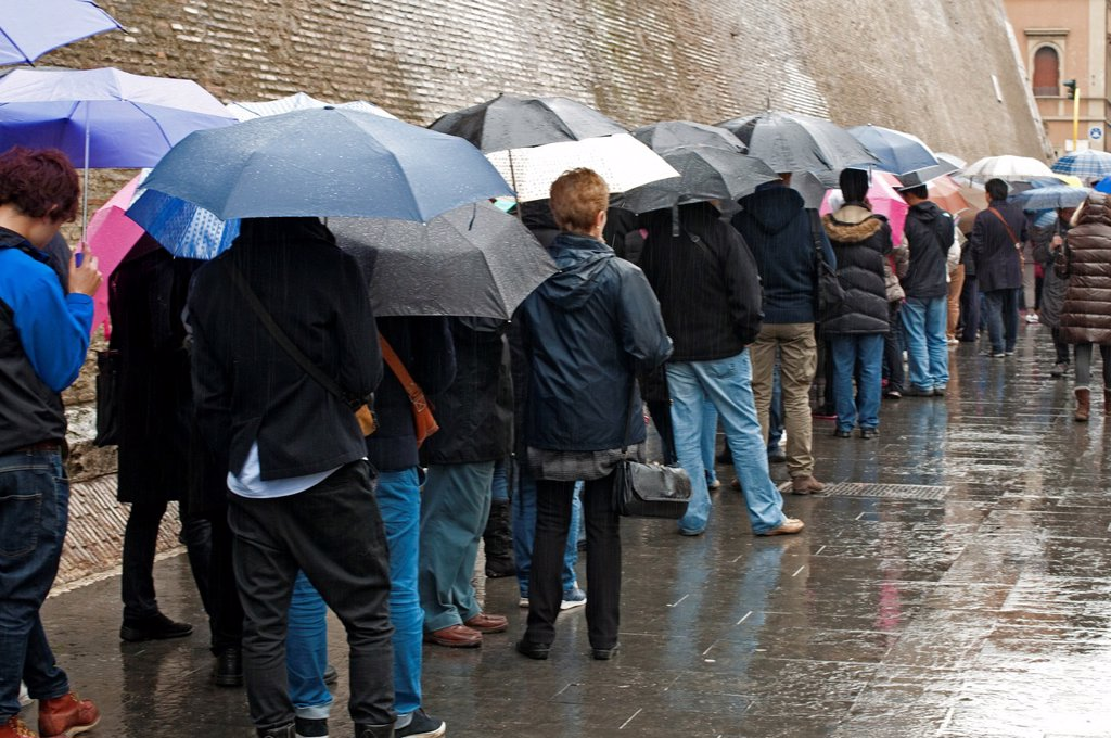 people waiting in line to get to Vatican Museum, Italy : Stock Photo