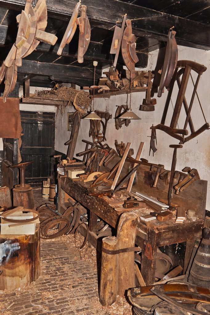 Stock Photo: 1566-1087553 View inside an old carpenter´s workshop