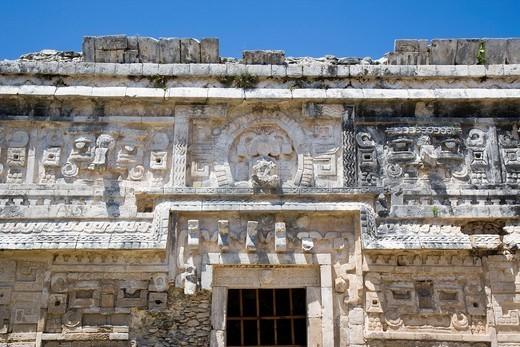 Temple details, Chichen Itza, Yucatan, Mexico : Stock Photo