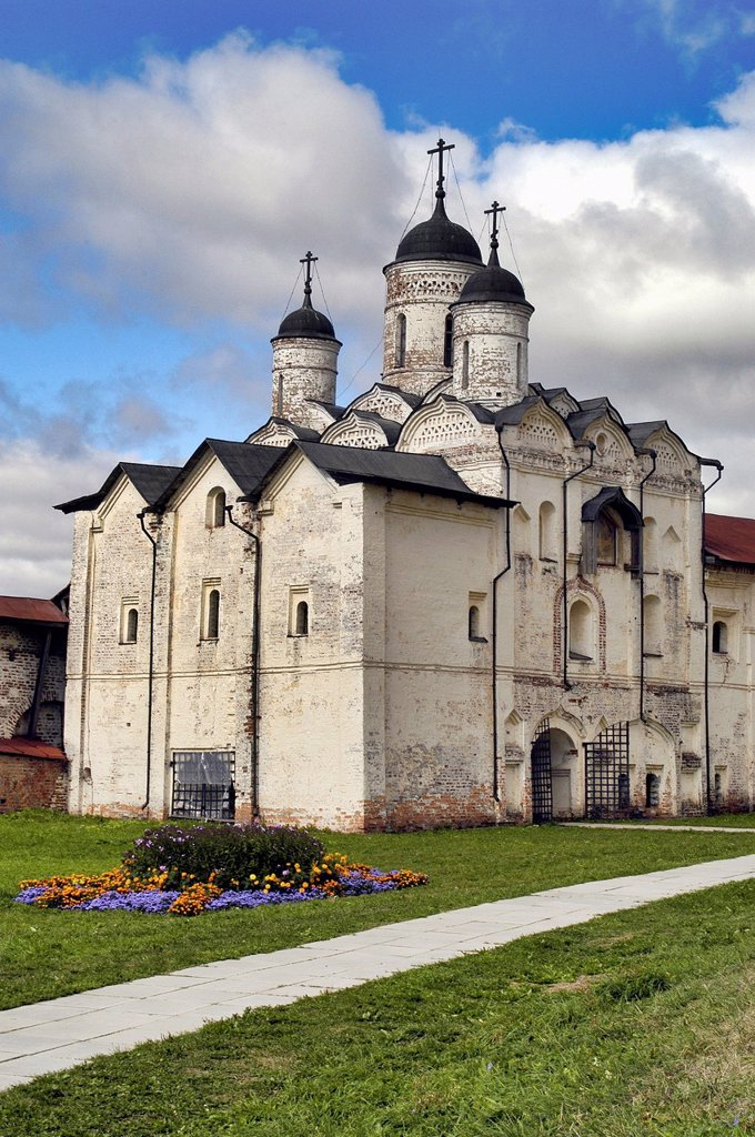 Stock Photo: 1566-1091577 Russia, Goritzy, Church at the Monastery of the Resurrection, founded by Saint Cyril in 1397, Vologda Oblast