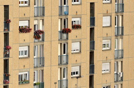 Stock Photo: 1566-1091586 Flowers in pots on balconies, Bourgoin-Jallieu, France