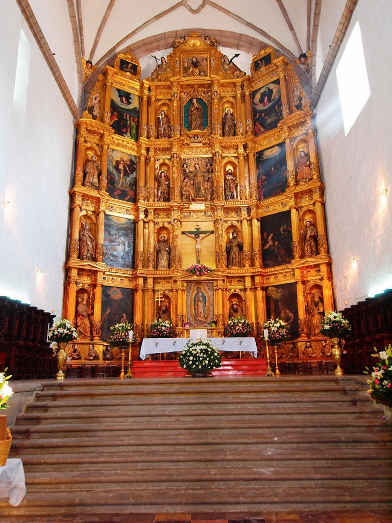 Stock Photo: 1566-1094448 Baroque altarpiece. San Bernardino de Siena Convent. 1536. Xochimilco. Mexico City. Mexico.