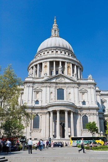 Stock Photo: 1566-1097087 St Paul´s Cathedral from Peter´s Hill, City of London, England, UK