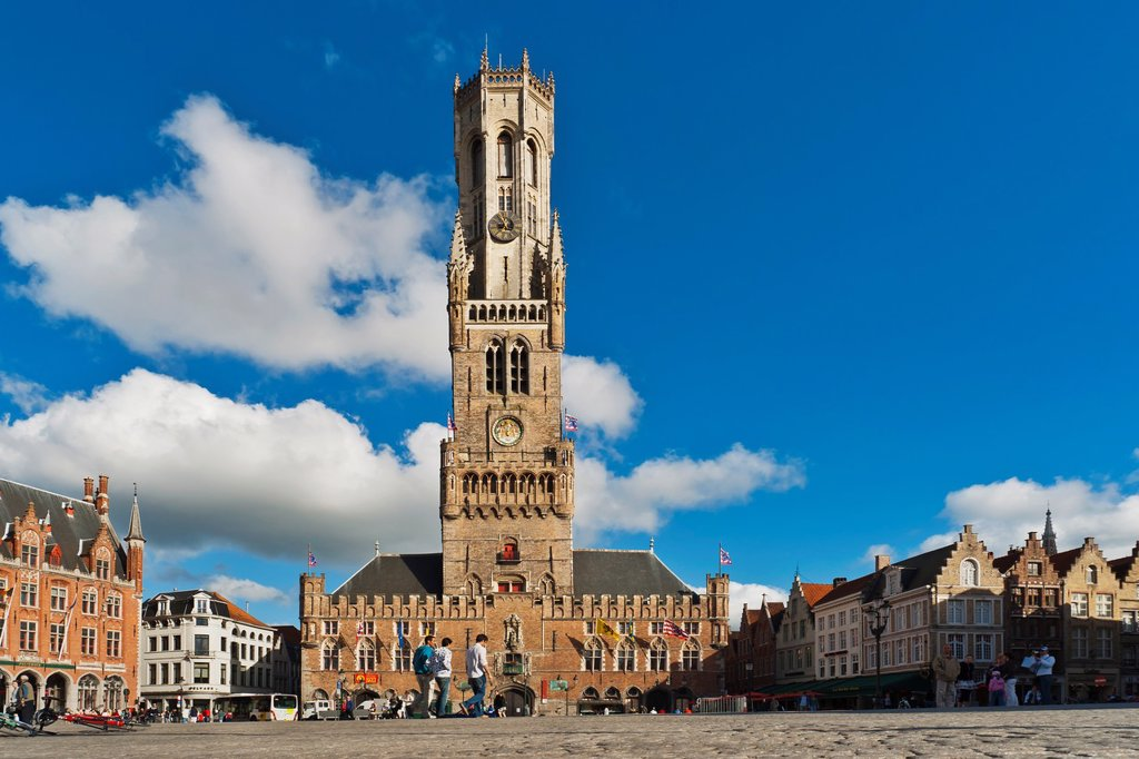 Market Square with the Belfry built from 1282 to 1482 The tower is 88 meters high The carillon consists of 47 bells, Bruges, Belgium, Europe : Stock Photo