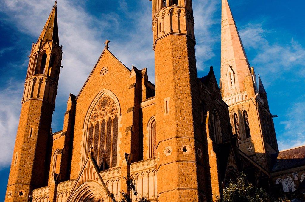 Stock Photo: 1566-1099155 Sacred Heart Cathedral, Bendigo, Victoria, Australia