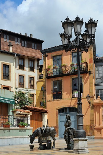 Stock Photo: 1566-1099588 Spain, Asturias, Oviedo, Plaza de Trascorrales.