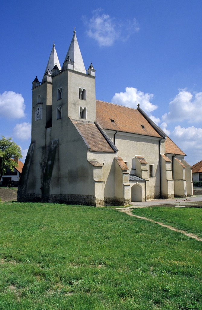 The church dedicated to St  Jacob at Stvrtok na Ostrove, Slovakia from late roman - early gothic period : Stock Photo