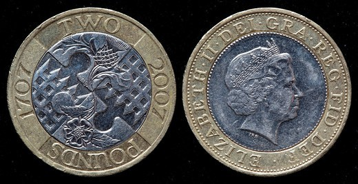 2 pounds coin, UK, 2007 : Stock Photo