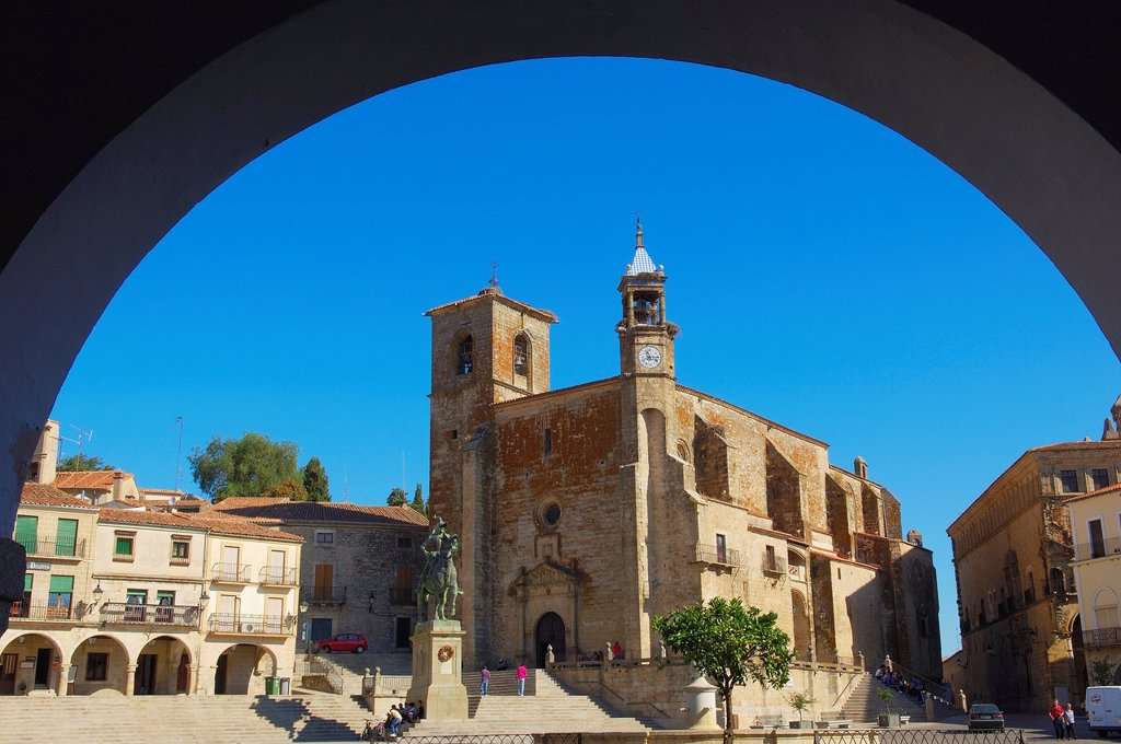 Stock Photo: 1566-1109079 San Martin church on Plaza Mayor (main square), Trujillo, Caceres province, Extremadura, Spain, Europe