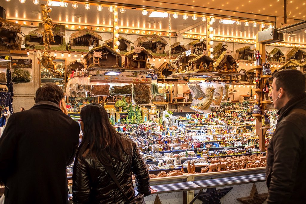 Stock Photo: 1566-1109563 Christmas market, Strasbourg, Alsace, France