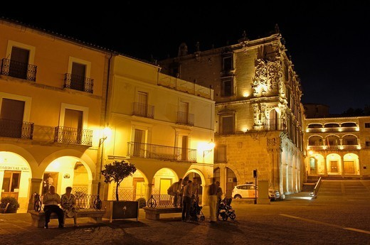 Stock Photo: 1566-1111054 Plaza Mayor (Main Square) at dusk, Trujillo, Caceres province, Extremadura, Spain, Europe