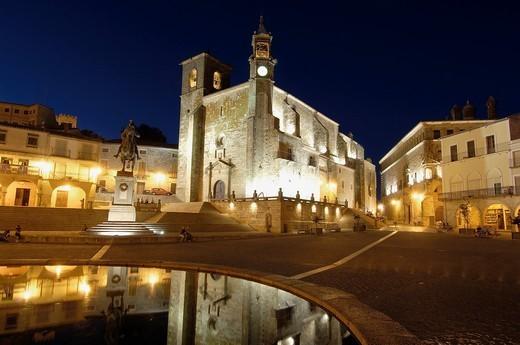 Plaza Mayor (Main Square) with San Martin church at dusk, Trujillo, Caceres province, Extremadura, Spain, Europe : Stock Photo