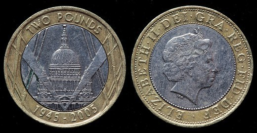 2 pounds coin, UK, 2005 : Stock Photo