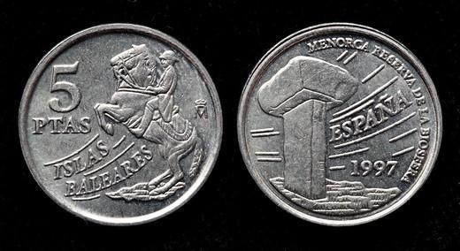 Stock Photo: 1566-1119475 5 pesetas coin, Spain, 1997