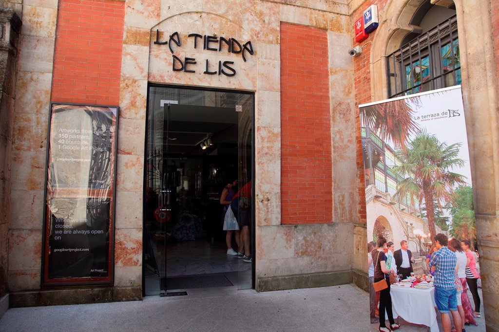 Stock Photo: 1566-1125442 La Tienda de Lis, Salamanca, Castilla y Leon, Spain, Europe