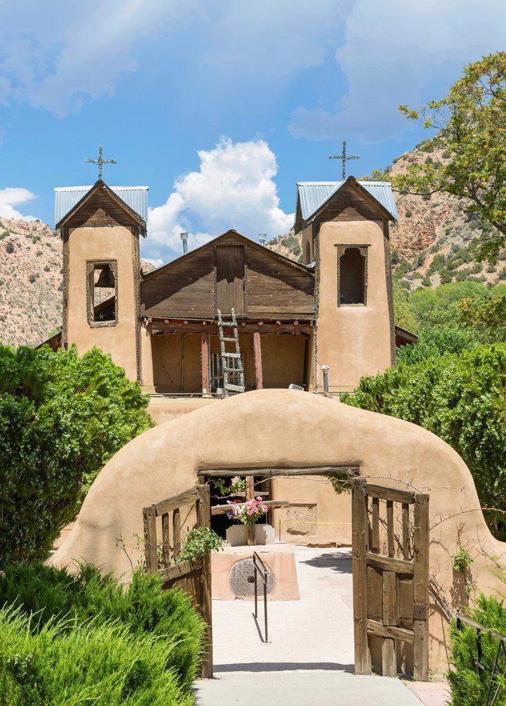 Stock Photo: 1566-1125522 El Santuario de Nuestro Señor de Esquipulas or El Santuario de Chimayo, New Mexico, USA