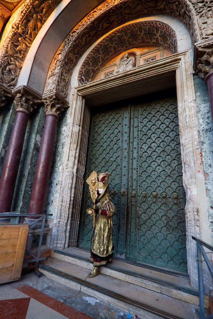 Stock Photo: 1566-1126580 Masked person in St Mark´s Square, Venice, Italy