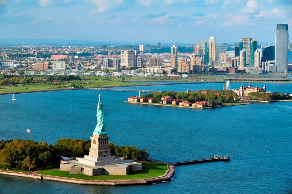 An aerial view from a helicopter of the Statue of Liberty and Manhattan, New York. : Stock Photo