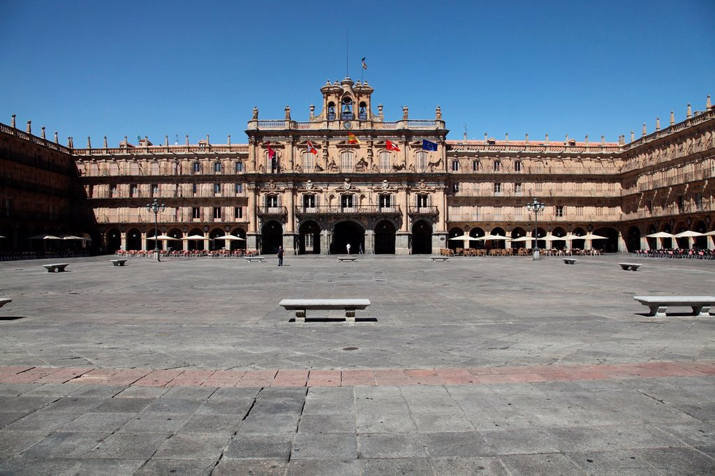 Panoramic view of the Plaza Mayor, Salamanca, Castilla y Leon, Spain, Europe : Stock Photo