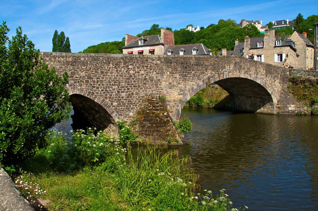 Stock Photo: 1566-1130198 Banks of Rance river, view of old town houses, and the Old Bridge, Dinan, Cotes d´Armor, Brittany, France