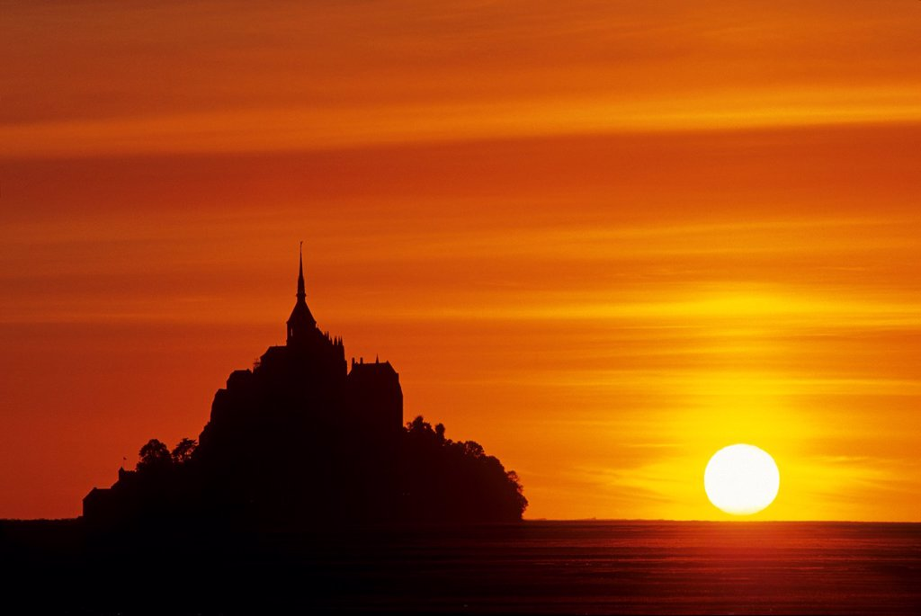 Mont-Saint-Michel bay at sunset, Manche department, Normandy region, France, Europe : Stock Photo