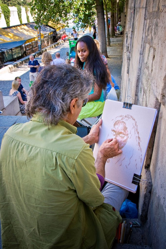 Stock Photo: 1566-1130560 France, Ile de France, Paris, Street artist