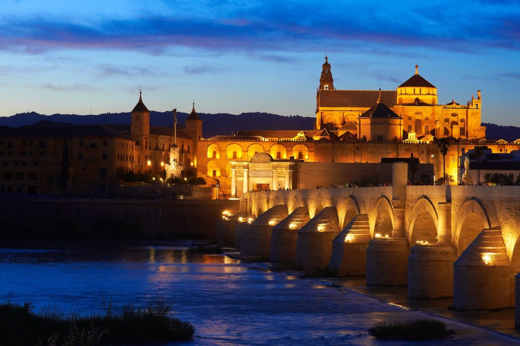 Stock Photo: 1566-1131174 Guadalquivir river, Roman bridge and mosque-cathedral at Dusk  Córdoba  Andalusia  Spain