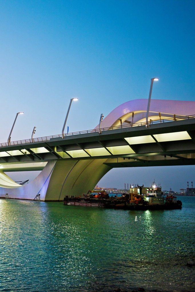 Stock Photo: 1566-1131732 Sheikh Zayed Bridge, Abu Dhabi, United Arab Emirates, Middle East.