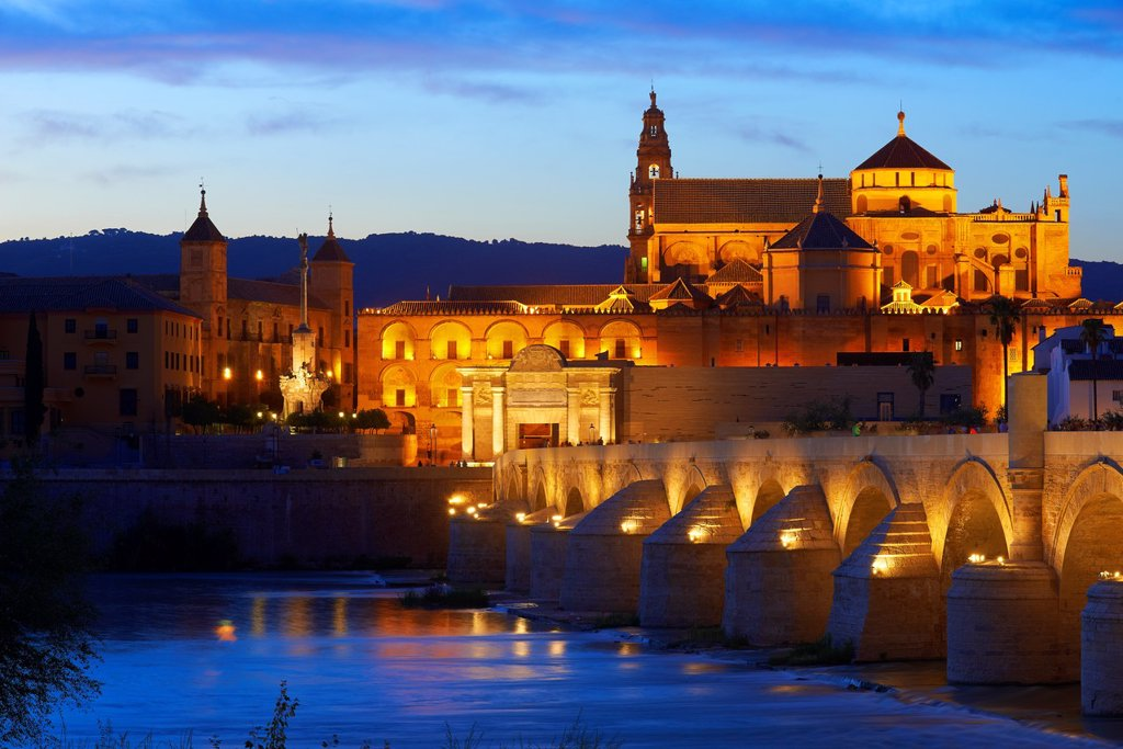 Stock Photo: 1566-1131854 Guadalquivir river, Roman bridge and mosque-cathedral at Dusk  Córdoba  Andalusia  Spain