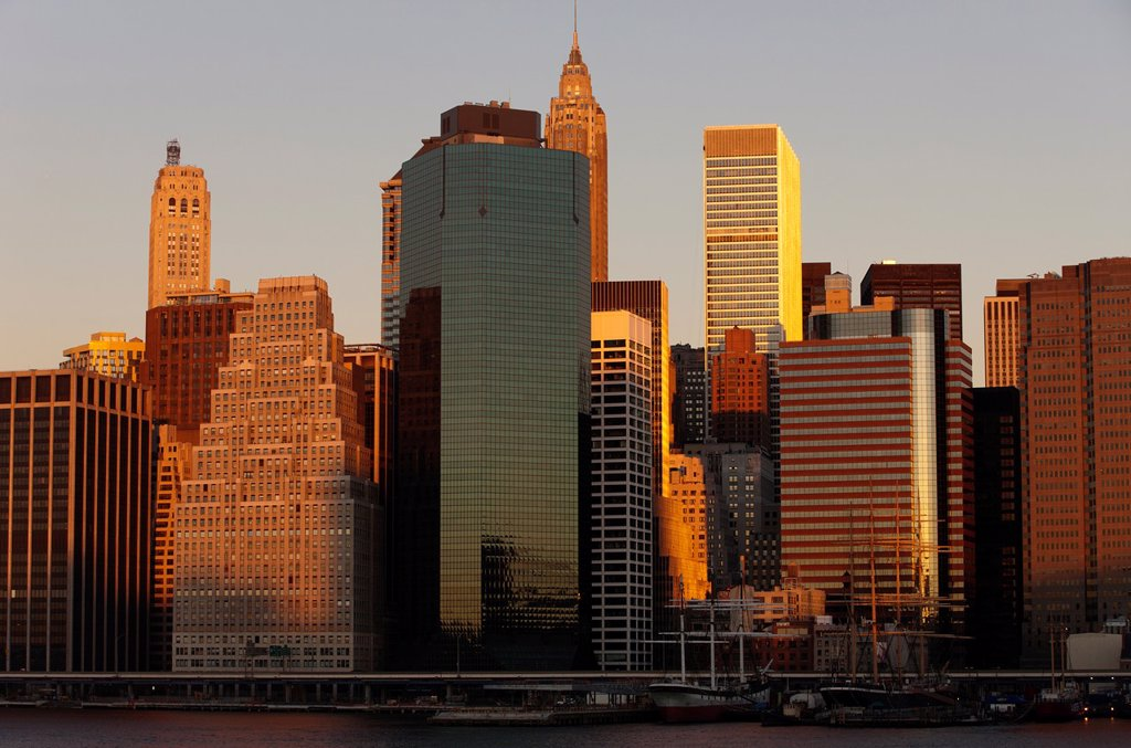 Stock Photo: 1566-1135504 DOWNTOWN SKYLINE EAST RIVER MANHATTAN NEW YORK CITY USA