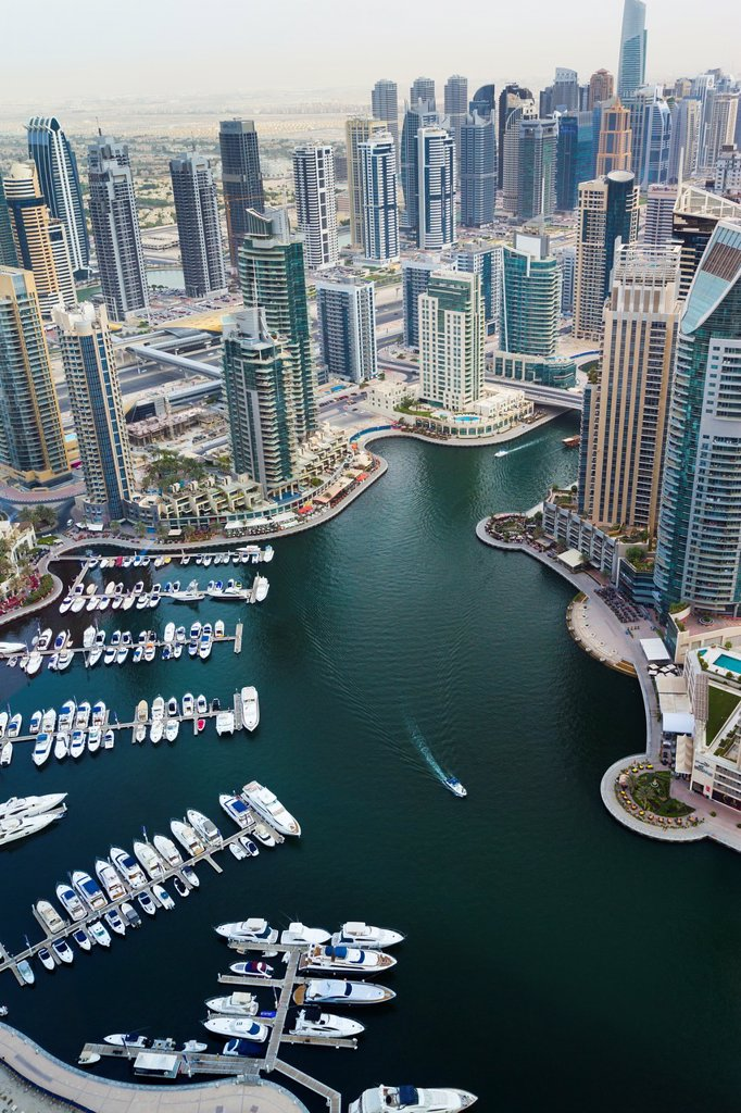Skyscrapers and yachts in Dubai Marina  Dubai city  Dubai  United Arab Emirates : Stock Photo