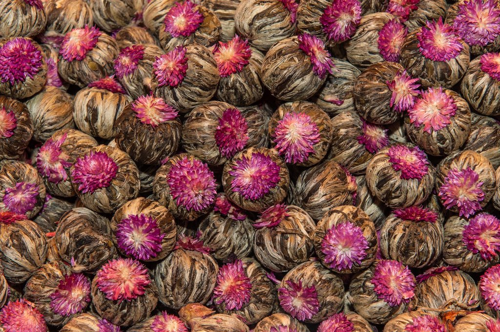 Stock Photo: 1566-1136187 Jasmine tea bulbs, Egyptian bazaar, Istanbul, Turkey