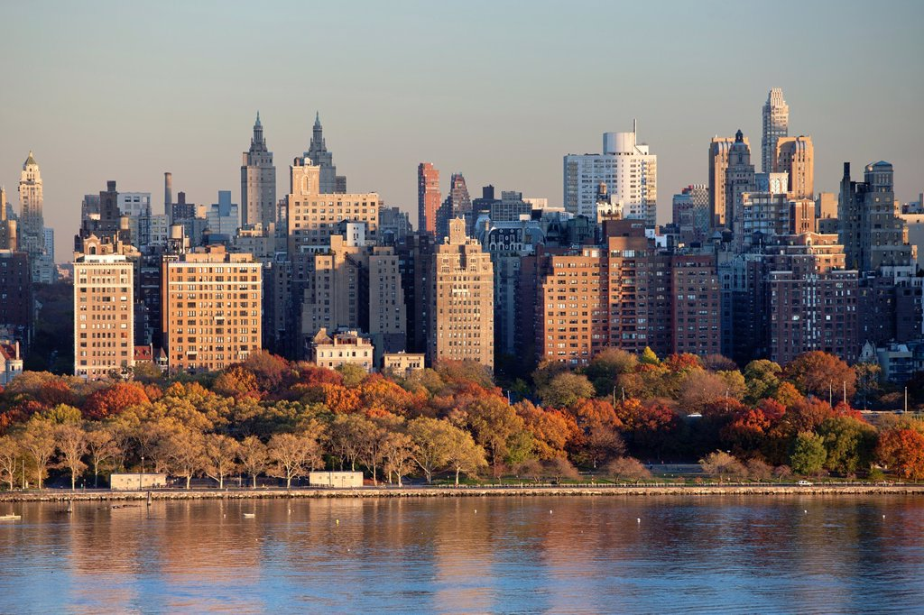 Stock Photo: 1566-1136535 UPPER WESTSIDE SKYLINE HUDSON RIVER MANHATTAN NEW YORK CITY USA