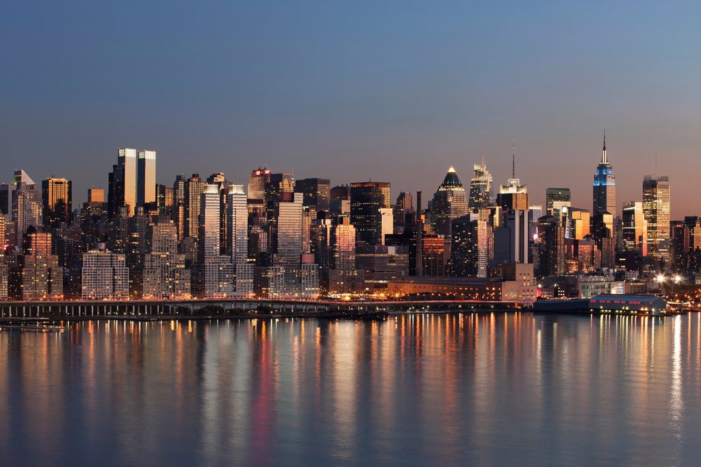 Stock Photo: 1566-1136543 MIDTOWN SKYLINE HUDSON RIVER MANHATTAN NEW YORK CITY USA