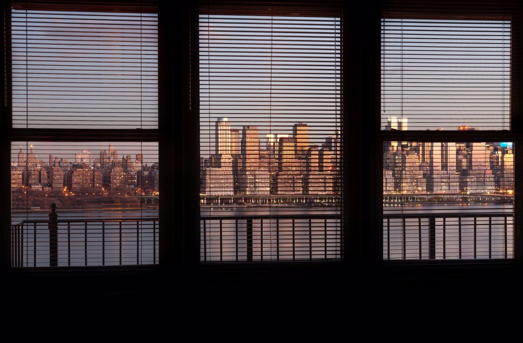MIDTOWN SKYLINE HUDSON RIVER MANHATTAN NEW YORK CITY USA : Stock Photo