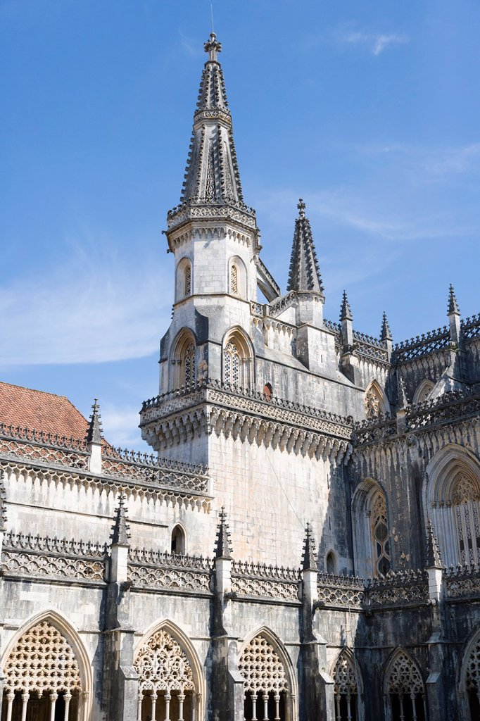 Stock Photo: 1566-1139111 The Royal Cloisters, Claustro Real, and the church, Interior of Mosteiro Santa Maria da Vitoria, Batalha Dominican Monastery, manueline, Batalha, Leiria District, Pinhal Litoral, Portugal