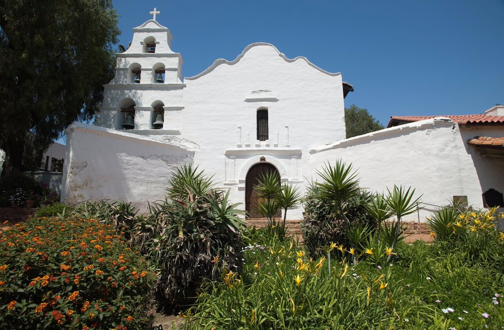 Stock Photo: 1566-1140095 GARDEN OF MISSION SAN DIEGO DE ALCALA SAN DIEGO CALIFORNIA USA