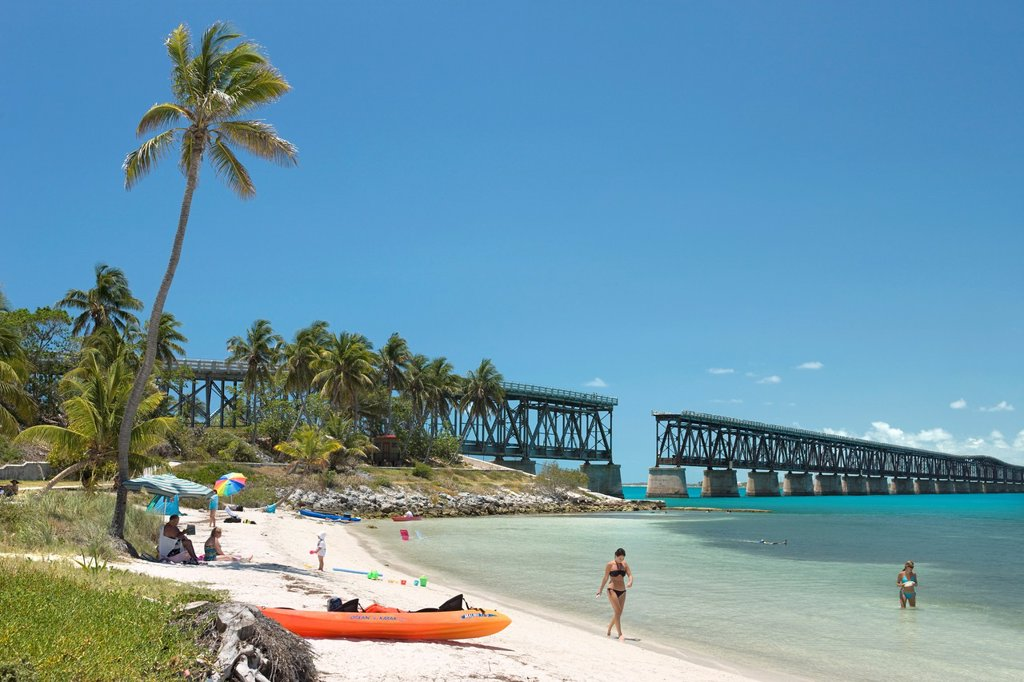 OLD BAHIA HONDA BRIDGE BEACH BAHIA HONDA STATE PARK BAHIA HONDA KEY FLORIDA USA : Stock Photo