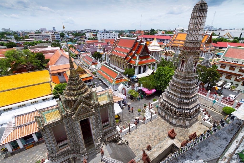 Stock Photo: 1566-1141545 Prang  Wat Arun Rajwararam or Temple of the Dawn  Bangkok, Thailand