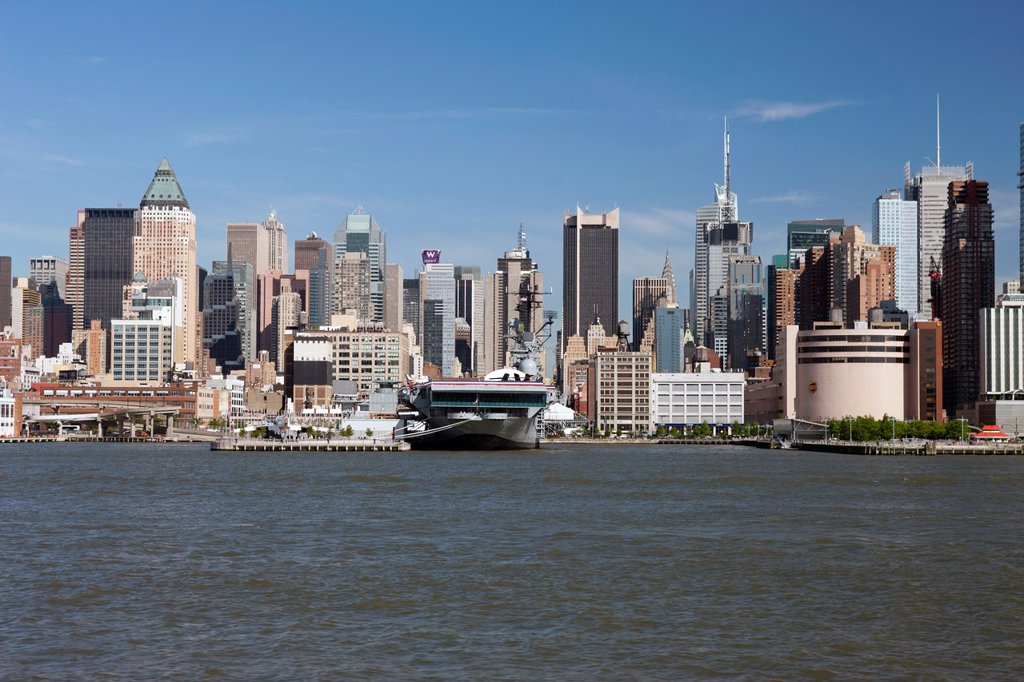 Stock Photo: 1566-1143585 MIDTOWN SKYLINE HUDSON RIVER MANHATTAN NEW YORK USA