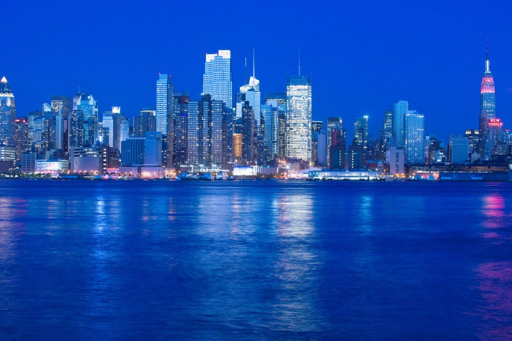 MIDTOWN SKYLINE HUDSON RIVER MANHATTAN NEW YORK CITY USA : Stock Photo